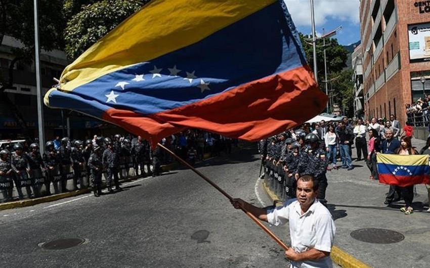 Politoloq: Venesuela böhranı Maduronun populist siyasətinin nəticəsidir - RƏY