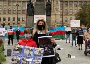 Çexiyadakı soydaşlarımız erməni vandalizminə etiraz ediblər