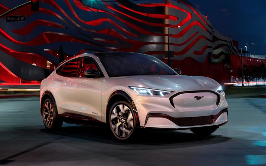 """""""Ford"""" elektrikli avtomobillərə çəkdiyi xərcləri 30 mlrd dollara çatdıracaq"""
