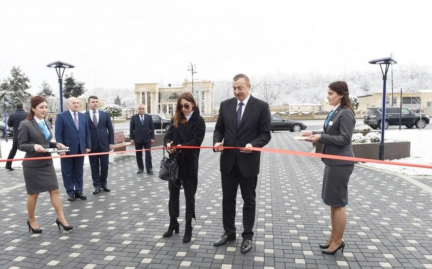 Президент Ильхам Алиев и первая леди Мехрибан Алиева приняли участие в открытии Губинского комплекса ASAN həyat
