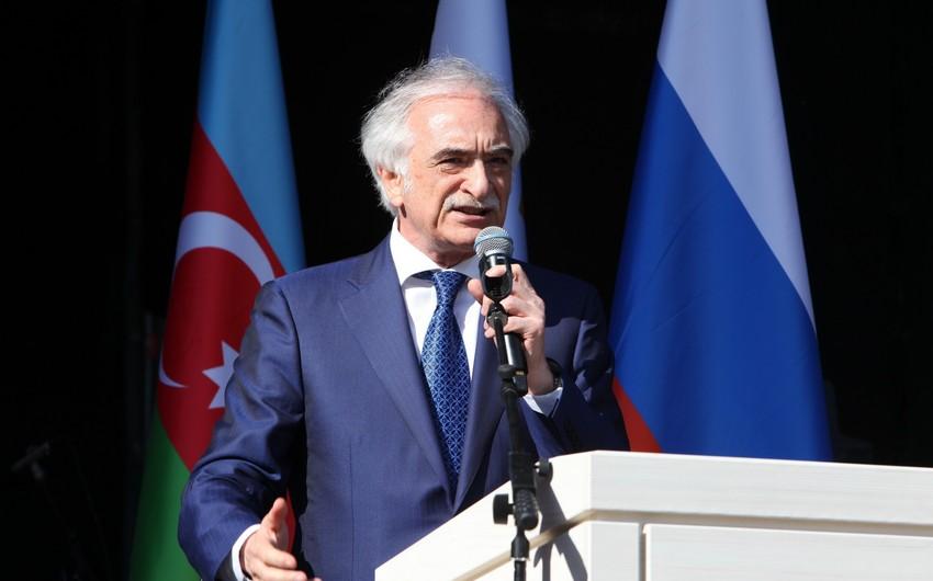 Polad Bülbüloğlu: Rusiya azərbaycanlılarının özlərini bu ölkənin vətəndaşları kimi hiss etmələri vacibdir