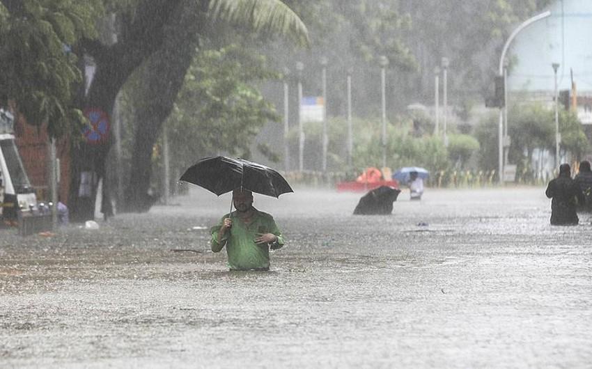 Hindistanda musson yağışları nəticəsində ölənlərin sayı 569 nəfərə çatıb