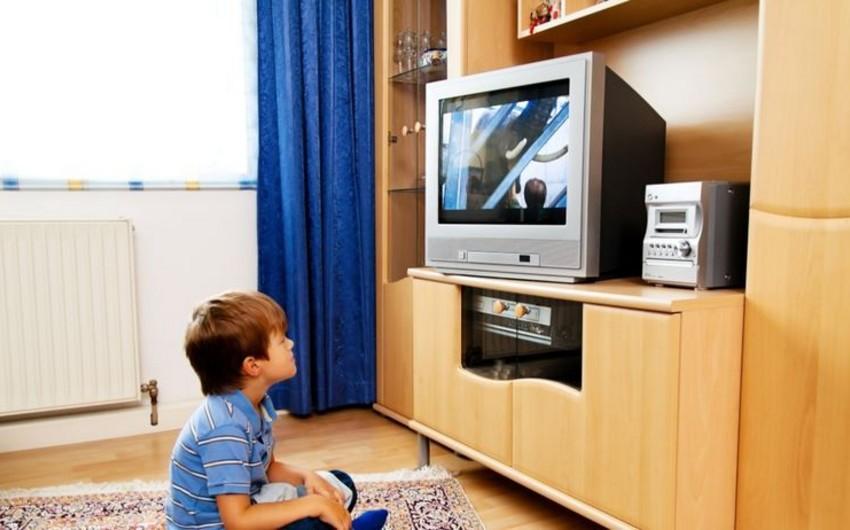 Bərdədə 7 yaşlı uşağın üzərinə televizor düşüb