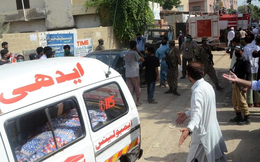 Pakistanda sərnişin avtobusu aşıb, ölənlər və xəsarət alanlar var