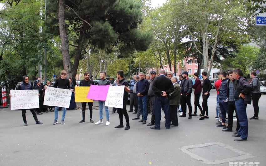 Gürcüstan azərbaycanlıları Baş Prokurorluğun qarşısında aksiya keçiriblər - FOTO