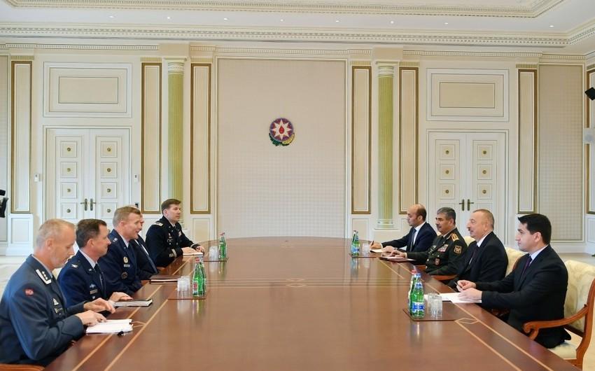 Azərbaycan Prezidenti NATO Müttəfiq Qüvvələrinin Avropadakı Ali Komandanını qəbul edib