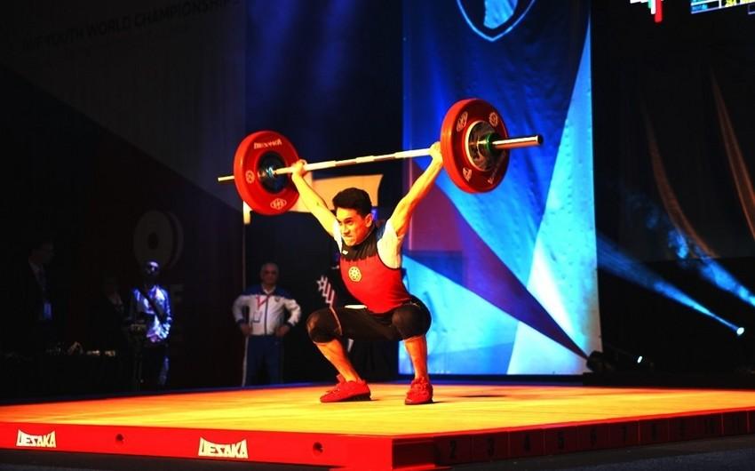 Ağır atlet Ömər Cavadov dünya birinciliyində bürünc medal qazanıb