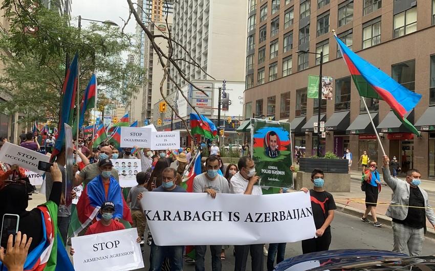 В Канаде наши соотечественники провели акцию в поддержку Азербайджана