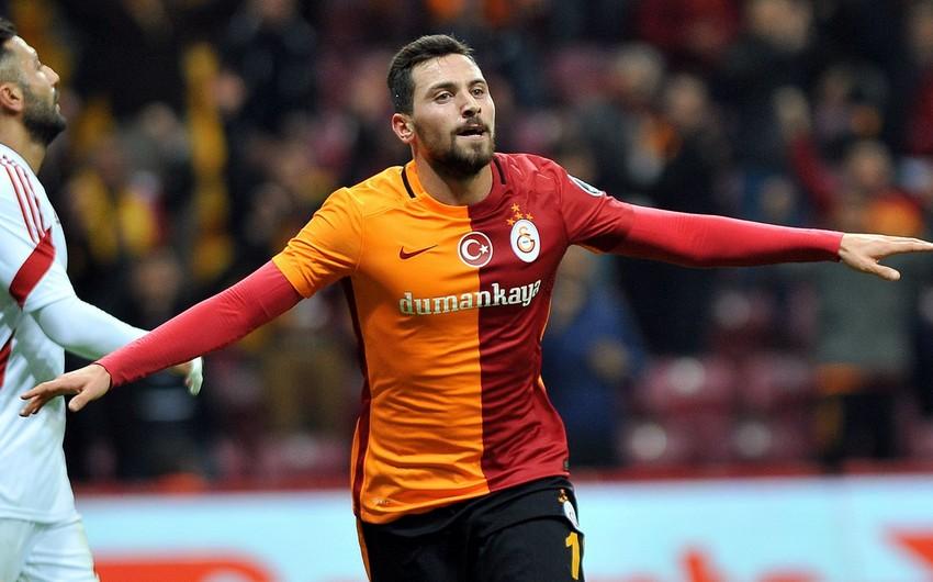 Fənərbağça Qalatasarayın sabiq futbolçusunu transfer etdi