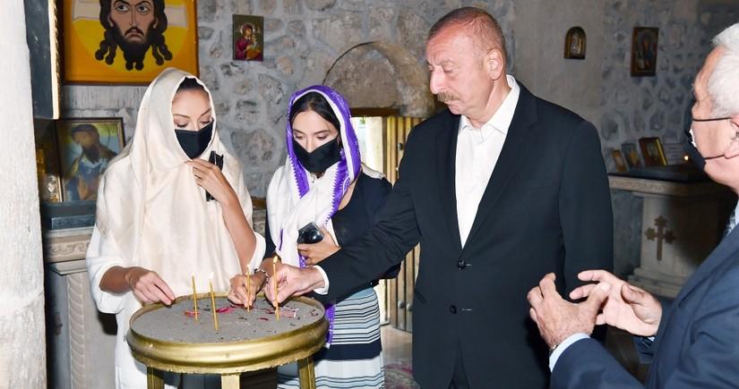 Ильхам Алиев посетил в селе Нидж среднюю школу № 1 и церковь Cвятого Елисея Чотари