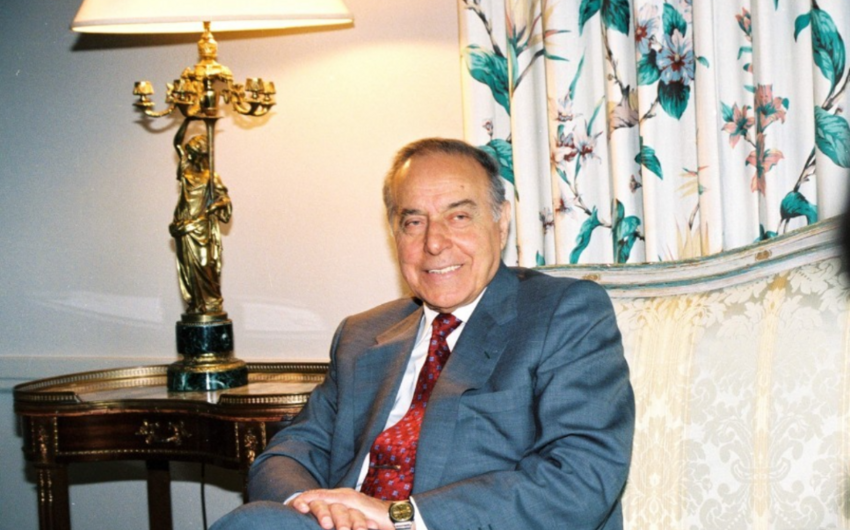 Deputat: Müstəqil Azərbaycan Heydər Əliyevin parlaqzəkasının bəhrəsidir