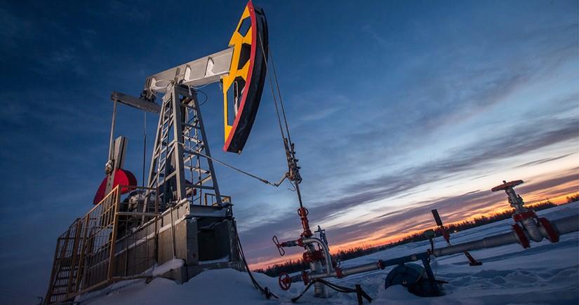 Россия в августе восстановила добычу нефти и газоконденсата в рамках ОПЕК+