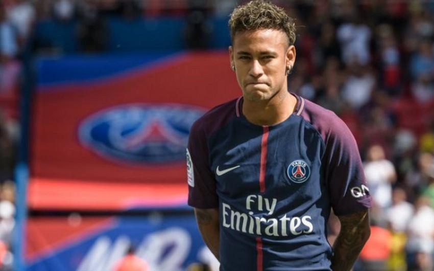 Neymar klubunun düşərgəsinə təyin olunmuş vaxtda qayıtmayıb