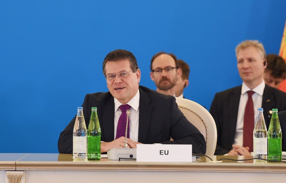 Шефчович: В отношениях Азербайджана и ЕС существует позитивная атмосфера и динамизм