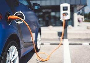 ABŞ-da hərəkətdə olan elektromobilləri şarj edən yol sınaqdan keçirilir