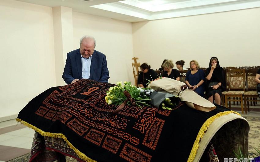 Аяз Муталлибов: Мне очень сложно...