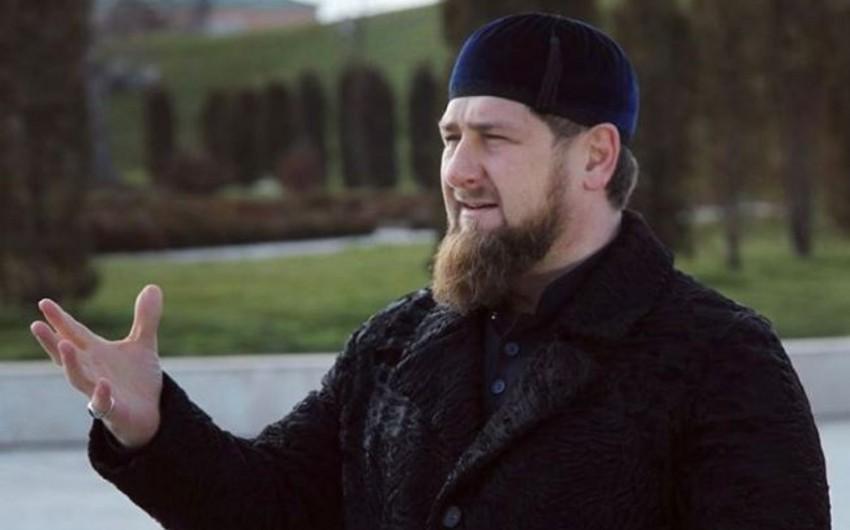 Ramzan Kadırov ABŞ-ın Suriyaya raket zərbəsini İŞİD üçün qiymətli hədiyyə adlandırıb
