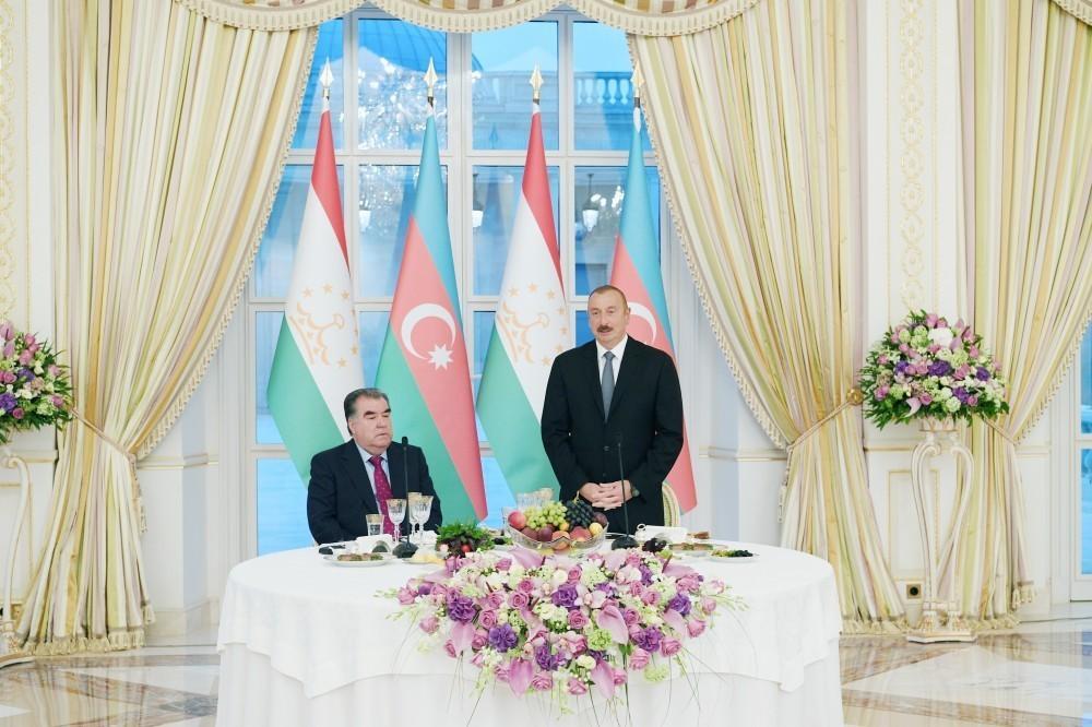 Ильхам Алиев: Мы будем прилагать все усилия для того, чтобы и Азербайджан и Таджикистан дальше развивались успешно