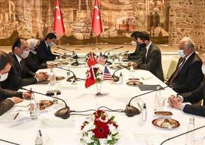 Спецпредставитель США обсудил в Стамбуле мирный процесс в Афганистане