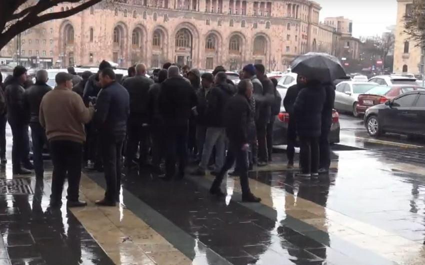 Avtomobil alverçiləri Yerevanda aksiya keçirdi