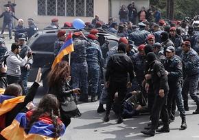 Yerevanda Paşinyana görə müxalifətçiyə hücum edilib