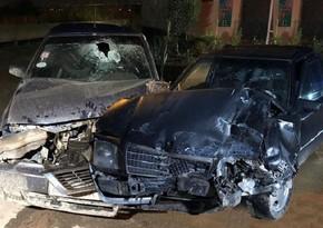 Zərdabda iki avtomobil toqquşdu, xəsarət alan şəxs Bakıya gətirildi