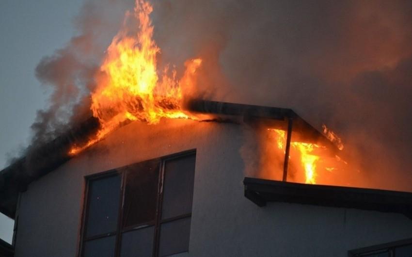 Kürdəmirdə evdə baş verən yanğın söndürüldü - VİDEO - YENİLƏNİB