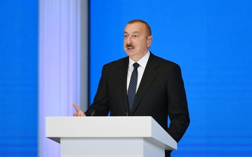 Azərbaycan Prezidenti: AXC-Müsavat cütlüyü dövründə prezidentin kabinetinin qapısını xarici səfirlər ayaqları ilə açırdılar