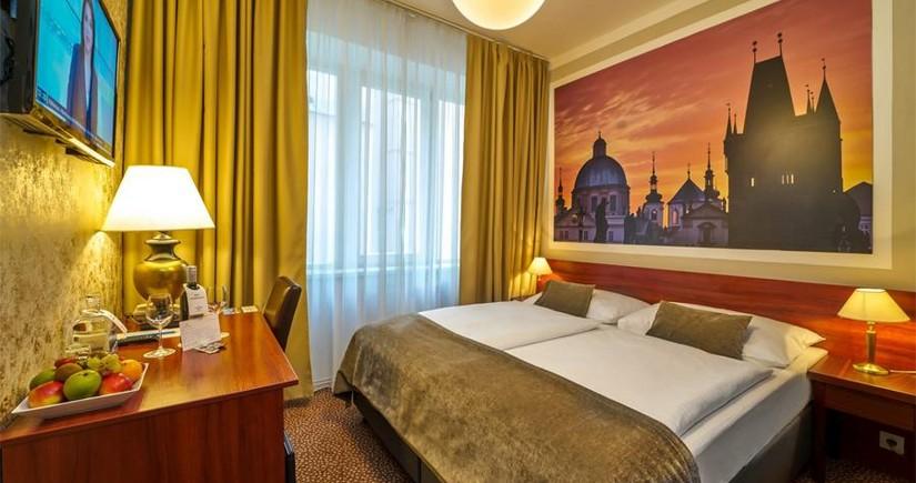 Çexiyada koronavirus xəstələri üçün otel açılıb