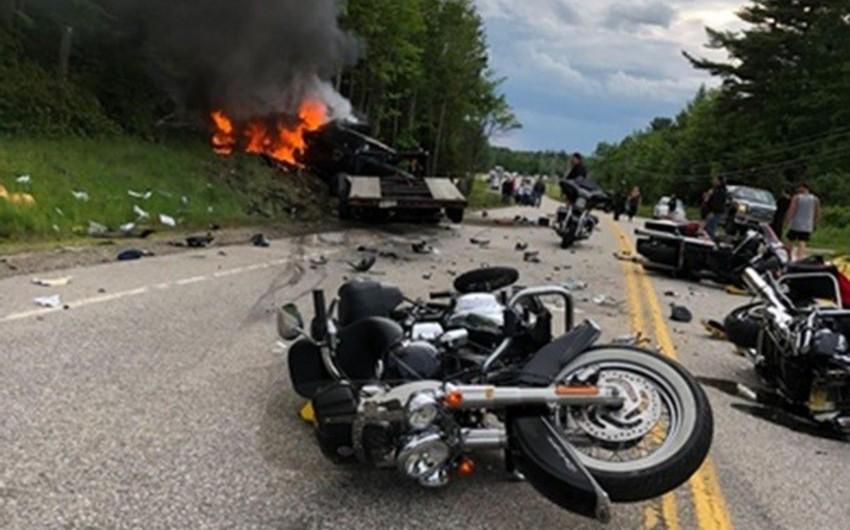 ABŞ-da maşın motosikletçiləri vurub, 7 nəfər ölüb - VİDEO
