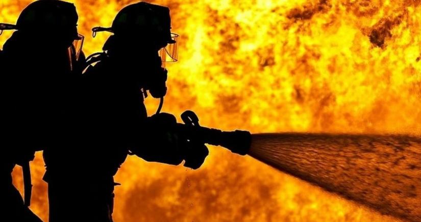 Astarada 85 yaşlı qadın yanaraq ölüb