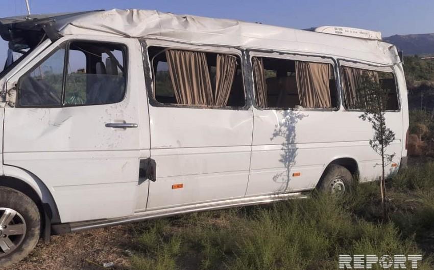 В Гаджигабуле микроавтобус попал в ДТП, 8 пострадавших - ОБНОВЛЕНО