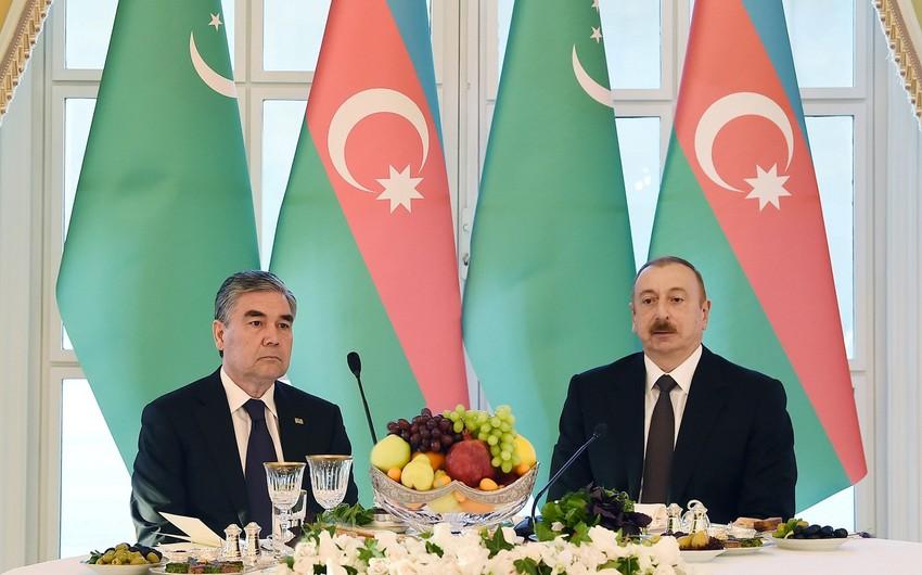 Azərbaycan və Türkmənistan prezidentləri arasında telefon danışığı olub