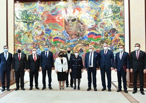 Турецкий министр проводит встречи в Милли Меджлисе