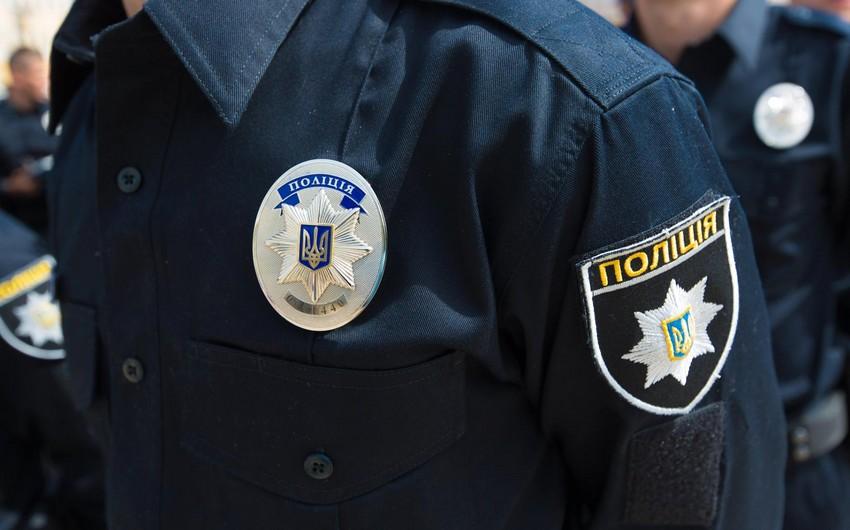 Ukraynada 20 nəfəri girov götürən terrorçu siyasi tələblər irəli sürdü