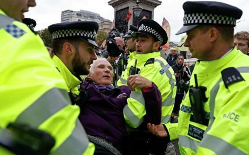 Более 1,4 тыс. экоактивистов задержали за неделю в Лондоне