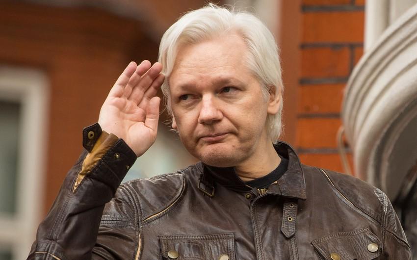 """""""WikiLeaks""""in qurucusu Culian Assanj Londonda polis tərəfindən saxlanılıb - VİDEO - ƏLAVƏ OLUNUB"""