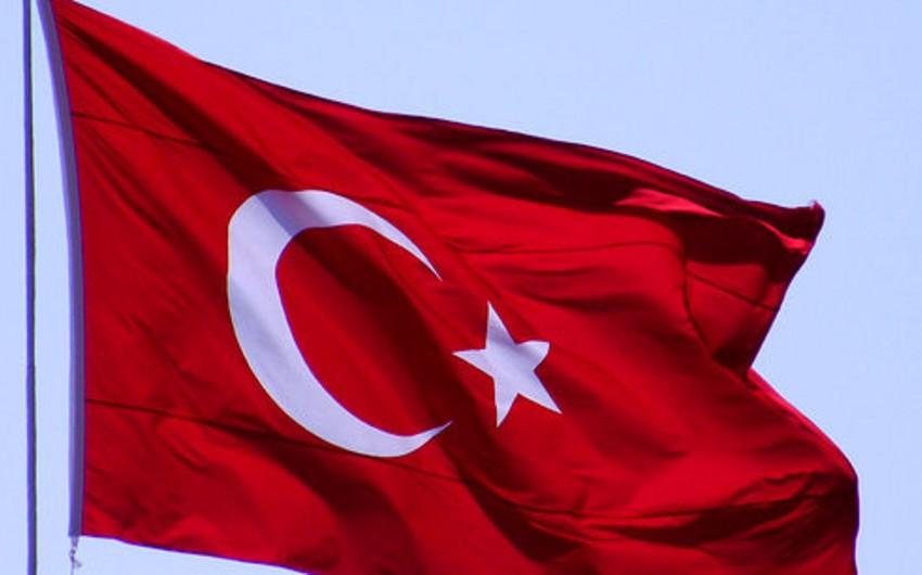 Türkiyənin yeni baş naziri Nazirlər Kabinetinin tərkibini açıqlayıb - SİYAHI