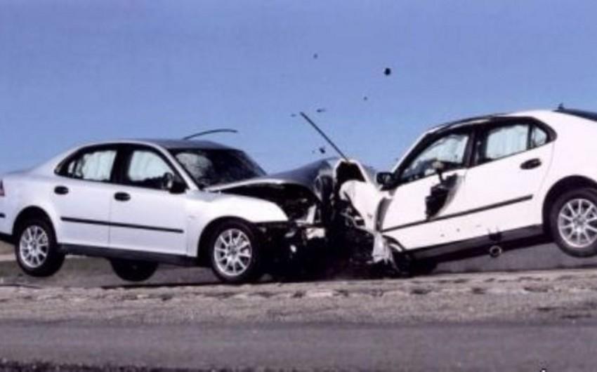Salyanda iki minik avtomobili toqquşub, 1 nəfər xəsarət alıb