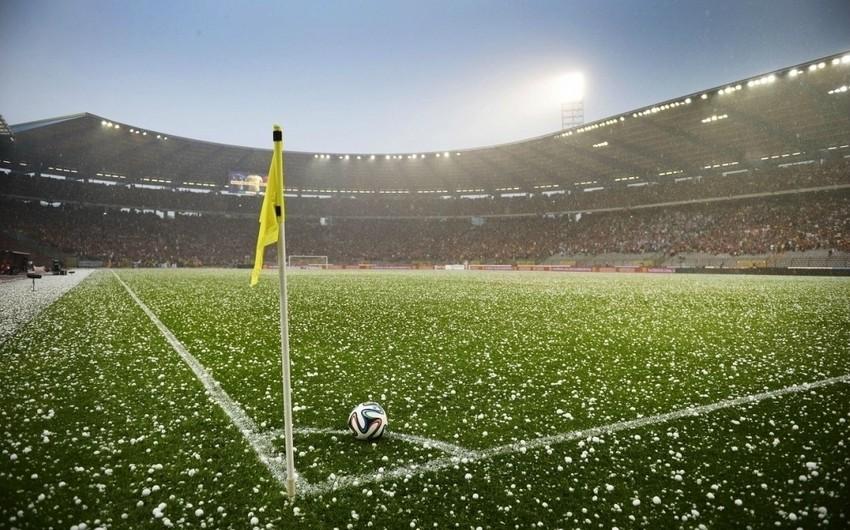 AVRO-2016: Ukrayna-Şimali İrlandiya oyununda dolu səbəbindən fasilə yaranıb