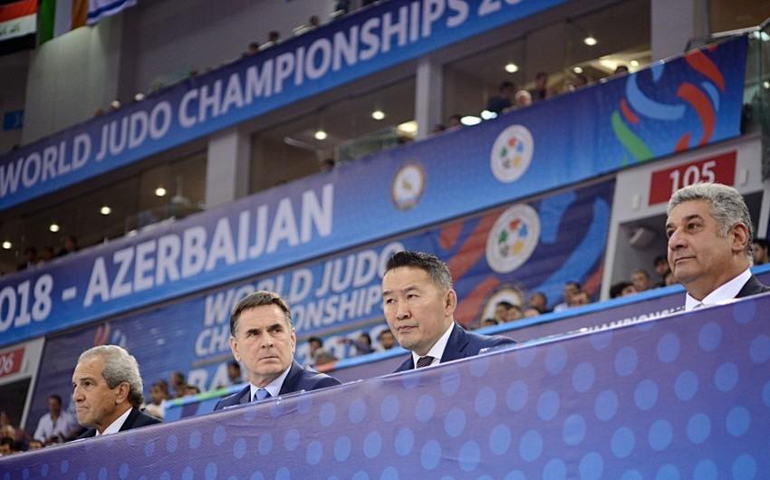 Monqolustan Prezidenti Bakıda cüdo üzrə dünya çempionatını izləyib