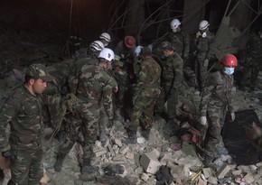 Спасатели вытащили из-под завалов в Гяндже 52 раненых и 13 трупов