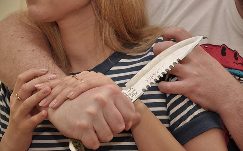 Sumqayıtda ər arvadını bıçaqlayıb