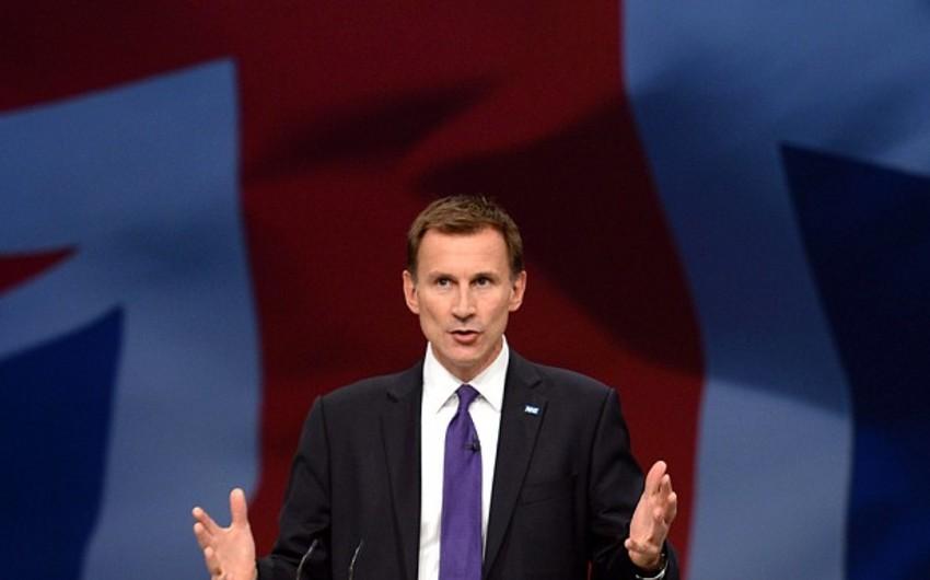 Britaniya Xarici İşlər Naziri Aİ-ni Rusiyaya qarşı sanksiyaları gücləndirməyə çağırıb