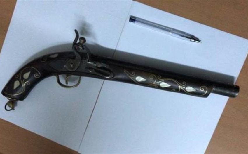 Антикварные ружья обнаружены в посылке из Туркменистана