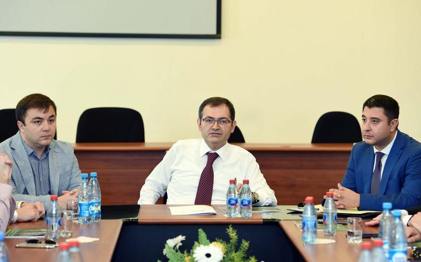 İntiqam Babayev rusiyalı gənclərlə görüşüb