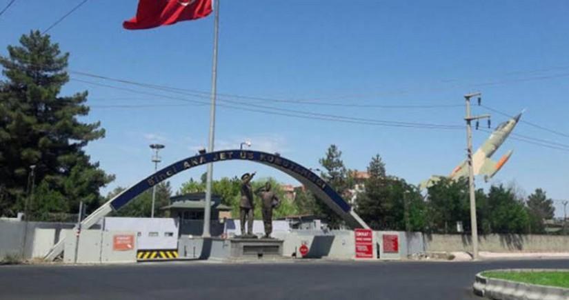 Türkiyədə hərbi bazaya hücum edilib