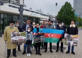 Almaniyada yaşayan azərbaycanlılar BMT-nin qərargahı önündə etiraz aksiyası keçiriblər