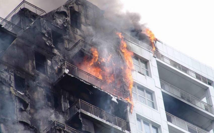 Bakıda binada yanğın olub, 2 nəfər yaralanıb, 20 nəfər təxliyə edilib