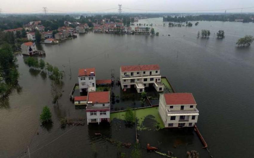 В КНР более 2,3 миллиона человек оказались в зоне бедствия из-за ливней